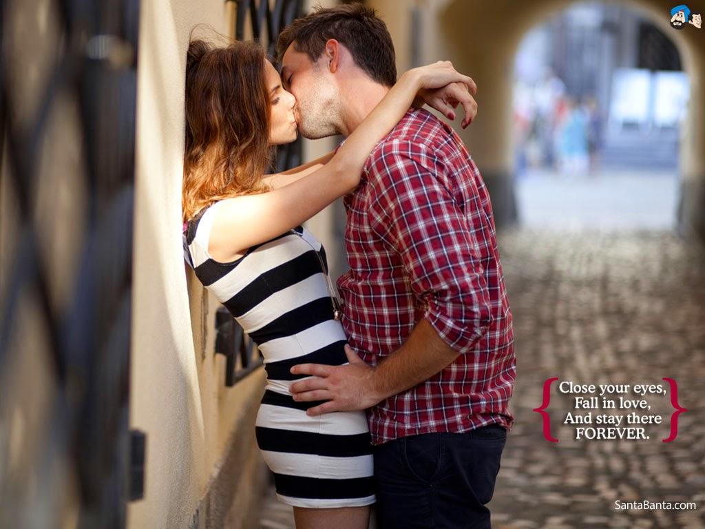 как целуются две девушки фото